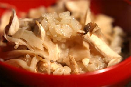 松茸の炊き込みごはん カナダ産松茸(北米産マツタケ)の通販販売です。 松茸(カナダ産、北米産)は